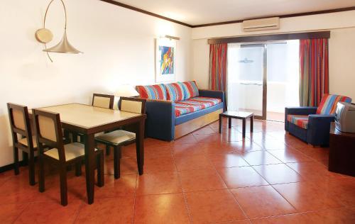 Hotel Apartamento Paraiso De Albufeira in Albufeira from £37