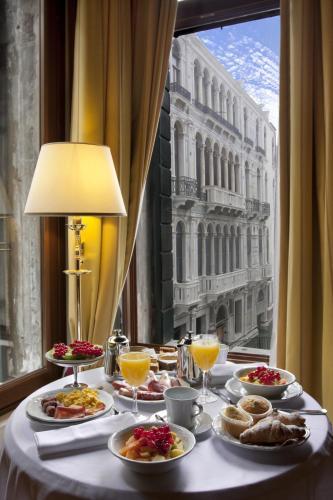 Hotel Al Ponte Dei Sospiri - image 8