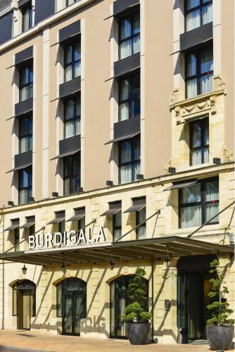 Hôtel Burdigala, 115 rue Georges Bonnac 33000 Bordeaux, France.