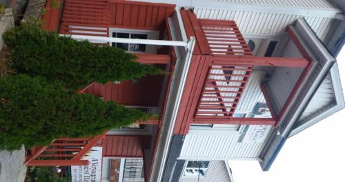 A Voyageur's Guest House
