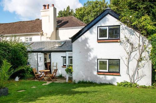 Unique Cottage Retreat, Brighton