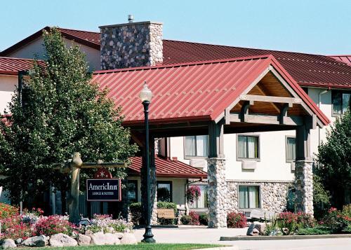 AmericInn by Wyndham Oswego - Hotel