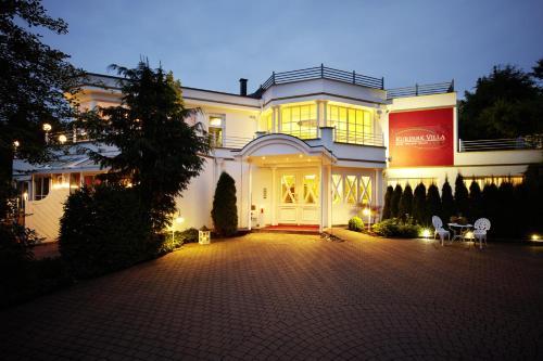 Kurpark Villa Aslan - Hotel - Bruchhausen / Olsberg