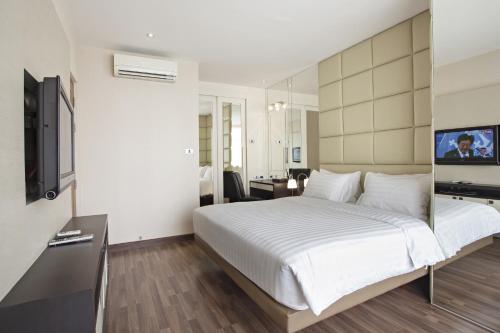 V Residence Bangkok photo 8