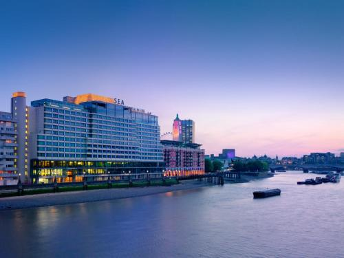 Sea Containers London a London