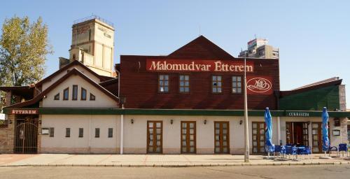 . Malomudvar Étterem Cukrászda Panzió és Rendezvényház