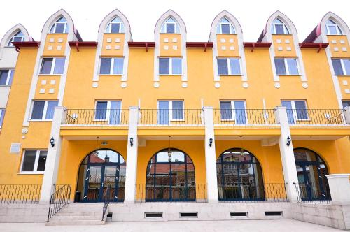 . Hotel Maxim