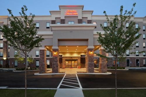 Hampton Inn And Suites Roanoke Airport Valley View Mall