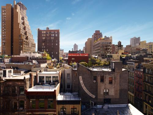 2 6th Avenue, New York, NY 10013, United States.