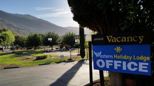Western Holiday Lodge - Three Rivers, CA CA 93271