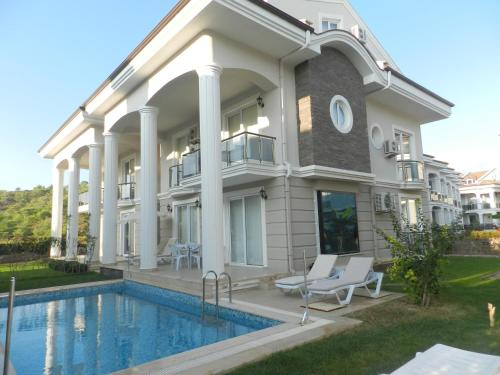 Fethiye New Age Beach Breeze Luxury Villas adres