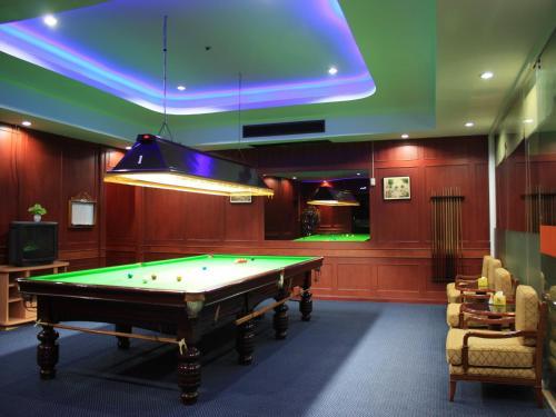 Summit Pavilion Hotel photo 16
