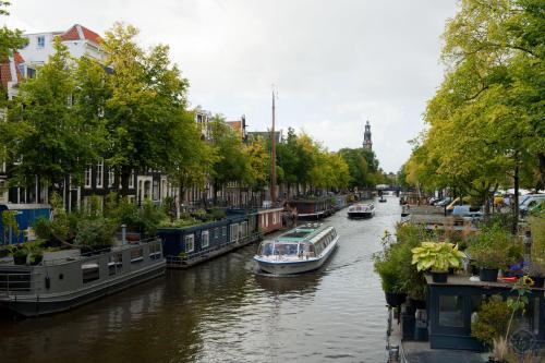 Canal Holiday Apartment photo 25