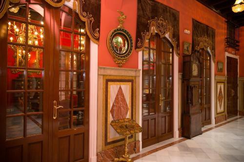 Calle Angostillo, 10, 41003 Sevilla, Spain.