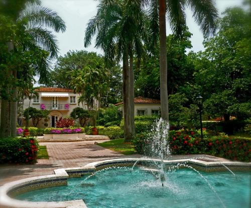 1 Fisher Island Dr, Miami Beach, FL 33109, United States.