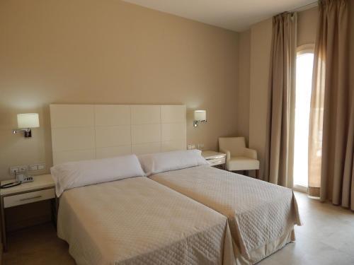 Habitación Familiar (2 adultos y 2 niños) Hotel Atlántico 14