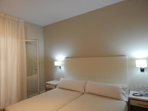 Habitación Familiar (2 adultos y 2 niños) Hotel Atlántico 15