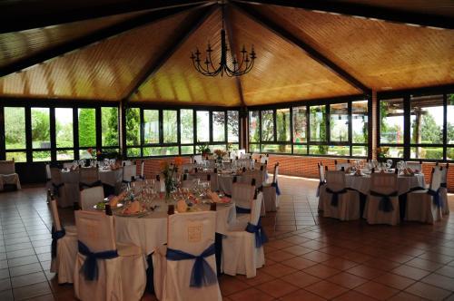 Restaurante Hotel Cuatro Calzadas 32