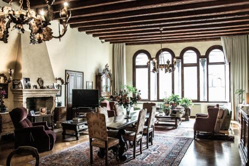 . Palazzo Altinate - Note di Piano