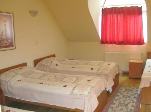 Two-Bedroom Suite (7 Adults)