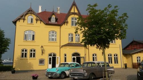 Aar�sund Badehotel