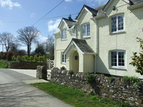 Tregarton Cottage, St Ewe, Cornwall