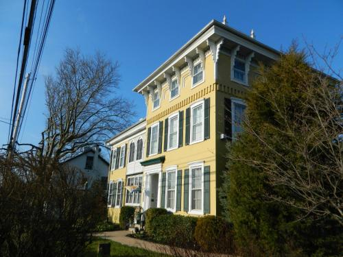 Ej Bowman House Bed & Breakfast - Lancaster, PA 17601