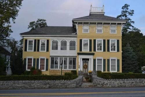 EJ Bowman House Bed&Breakfast - Accommodation - Lancaster