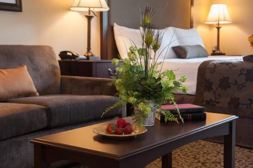 Best Western Plus Intercourse Village Inn & Suites - Ronks, PA 17534