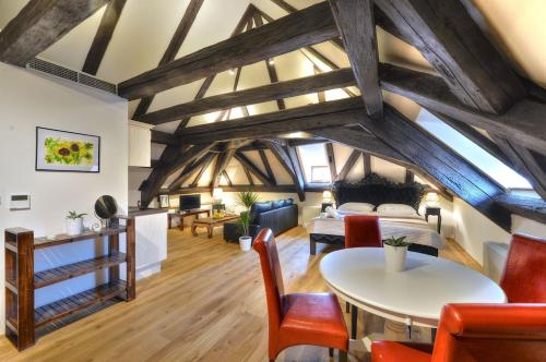 Hotel Old Town Boutique Apartments