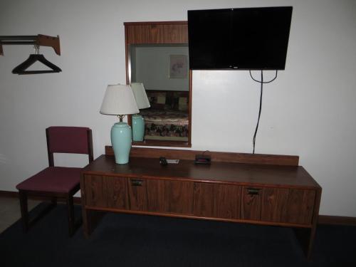 Green Valley Motor Lodge - Nashville, IN 47448