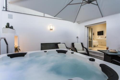 Luxury Suite with Spa Bath and Terrace