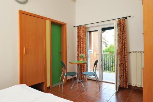 Angebot - Doppelzimmer mit Saisonpaket (Special Offer - Double Room with Seasonal Package)