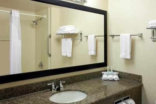 Holiday Inn Express Klamath Redwood Ntl Pk Area