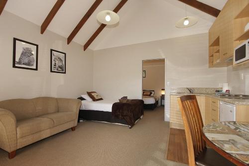 Big Five Motel - Accommodation - Palmerston North