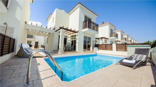 Rent Private Villa 073