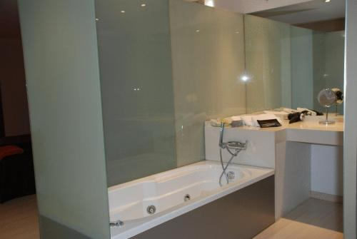 Doppel- oder Zweibettzimmer Posada Real La Pascasia 12