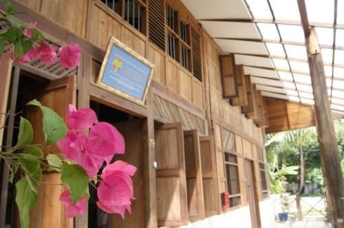 . Experience Island Heritage Home