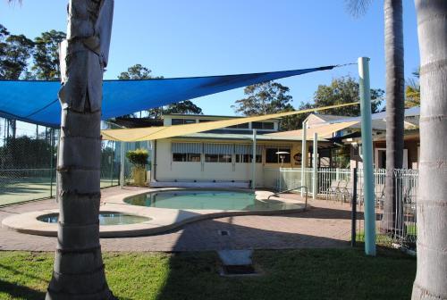 Фото отеля Pleasurelea Tourist Resort & Caravan Park