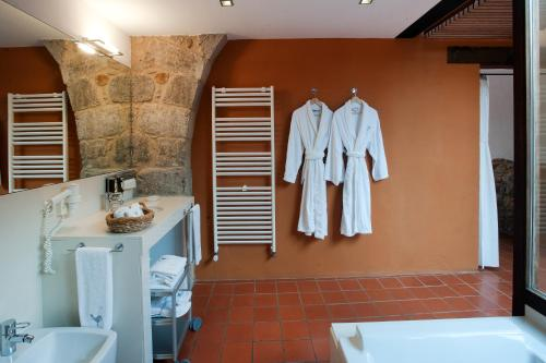 Junior Suite With Free Access to the Spa Mas Falgarona Hotel Boutique & SPA 12