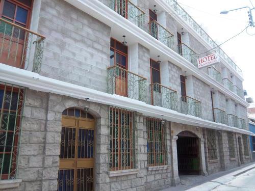 . Hotel Moquegua