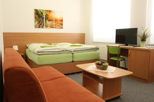 Quarto Duplo ou Twin com Casa de Banho (Double or Twin Room with Bathroom)