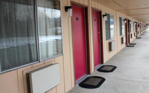 Caboose Motel - Libby, MT 59923