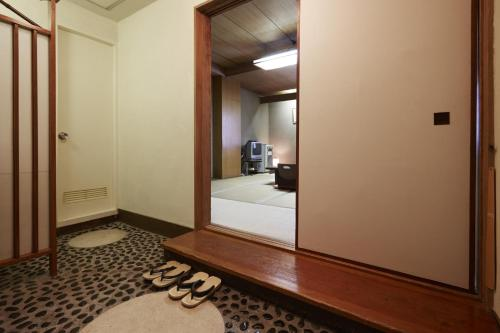 일본식 이코노미룸 - 공용 욕실, 도시 전망 (Japanese-Style Economy Room with Shared Bathroom and City View)