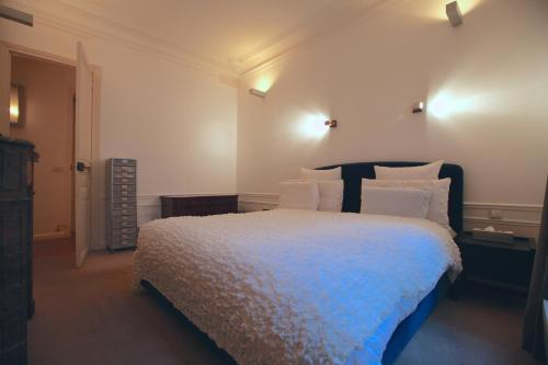 2 Separated Bedrooms near Notre Dame photo 40