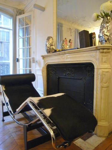 2 Separated Bedrooms near Notre Dame photo 44