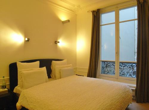 2 Separated Bedrooms near Notre Dame photo 45