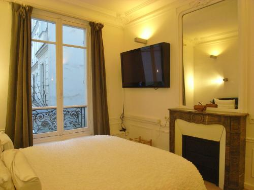 2 Separated Bedrooms near Notre Dame photo 48