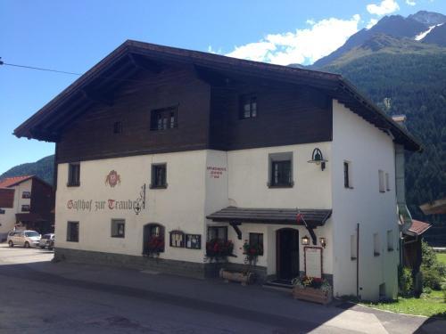 Gasthof zur Traube Pettneu
