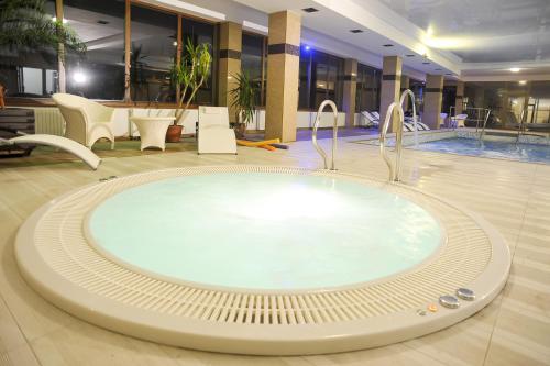 . Hotel Mir-Jan SPA